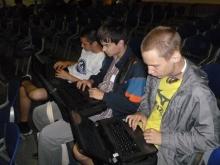 на вокзале слева направо, Евгений Юрьевич, Илья Дмитриевич и Илья Анатольевич