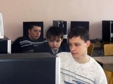 На секции слева направо, Солдатов Максим Олегович, Попов Евгений Юрьевич и Хохлов Алексей Владимирович